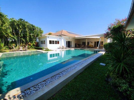 Tropical Greenery Villa, 4-bedroom, Huahin